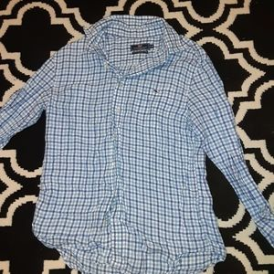 Vineyard Vines Button Down Medium